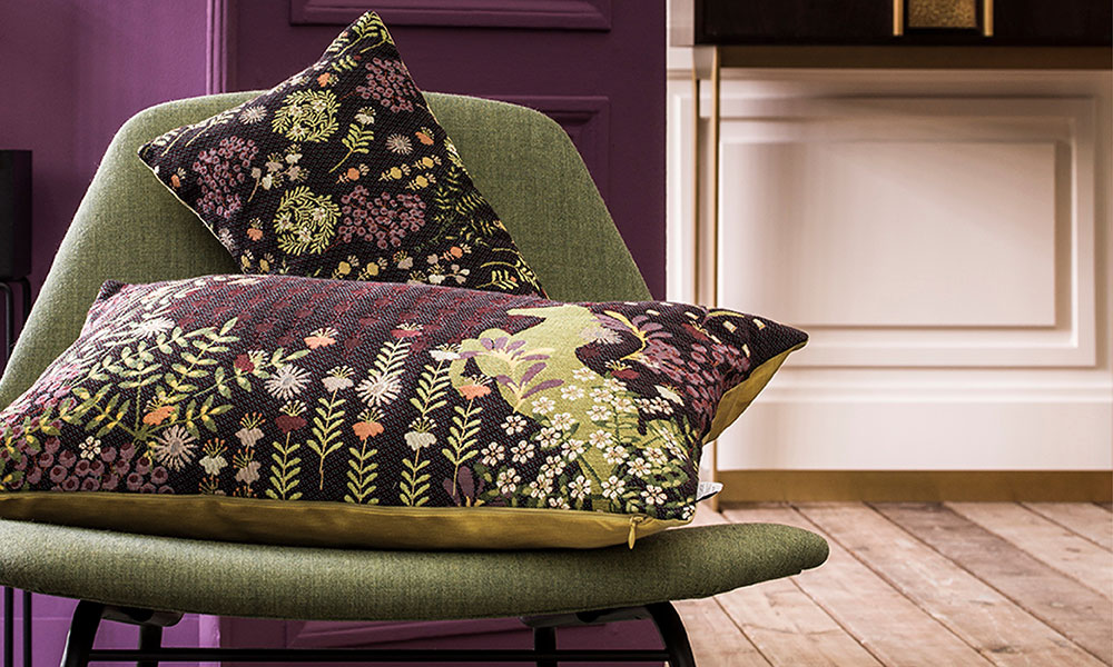 Tapestry decorative cushion