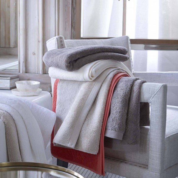 ESSENTIEL Bathlinen in organic cotton - In promotion