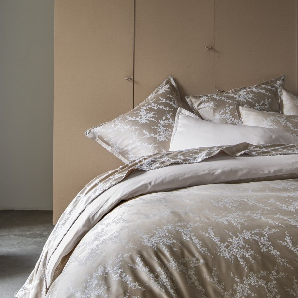 """OCTOBRE Bed set in jacquard and organic cotton sateen printed """"Branches of cherry trees"""""""