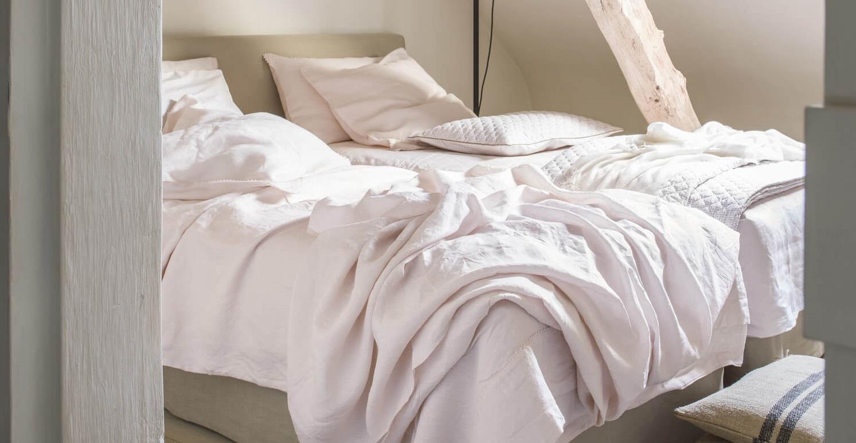 Linge de lit en lin rose poudré